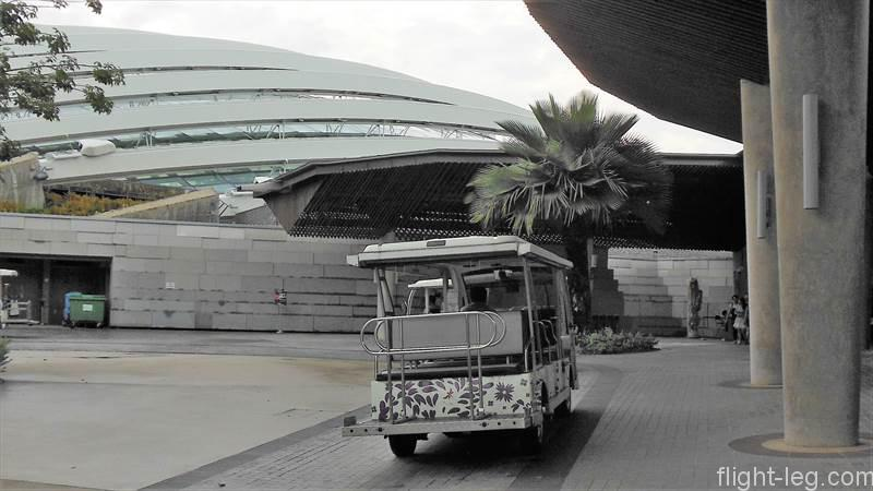 ガーデンズ・バイ・ザ・ベイのバス